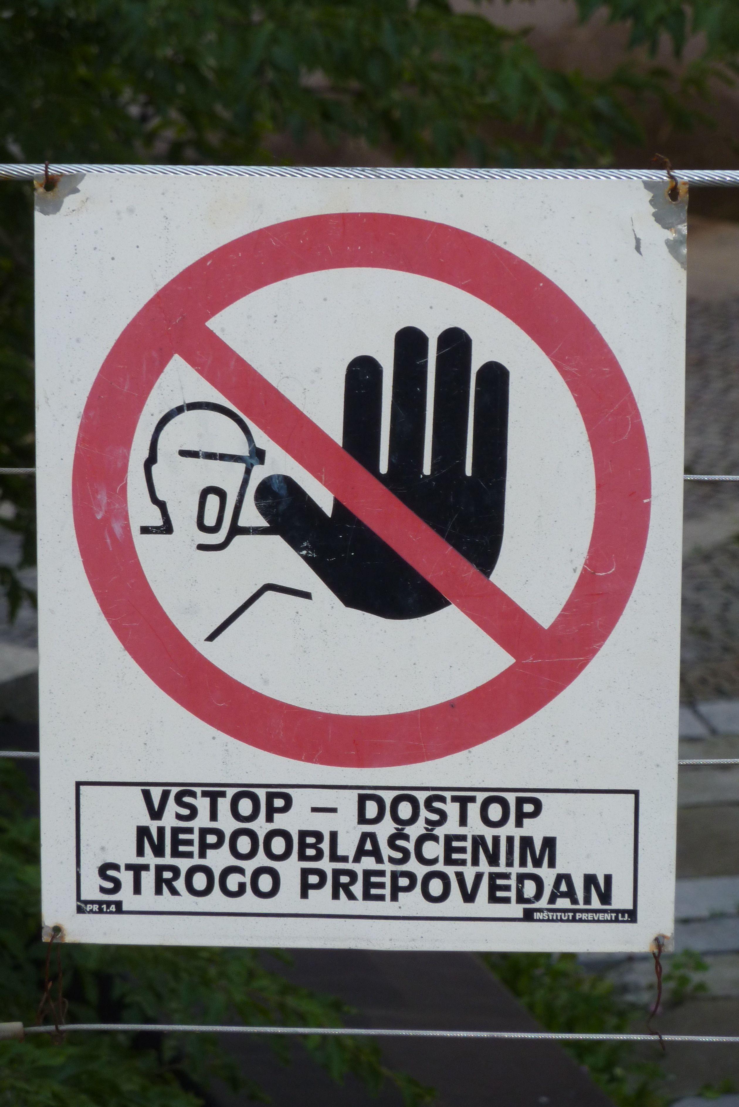 RoboCop Stop!